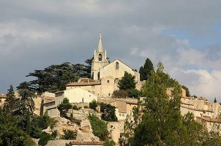 En vaucluse l 39 art campanaire des clochers des villages aux alentours de l 39 abbaye saint hilaire - Bonnieux office de tourisme ...
