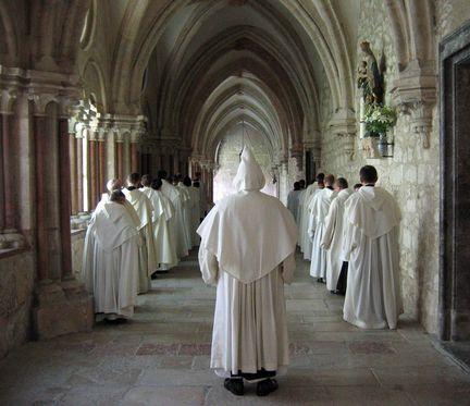 La liturgie des heures et office divin l 39 abbaye saint hilaire monument historique class des - Office des lectures du jour ...