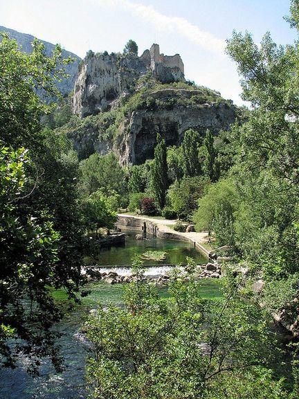 Les plus belles randonn es p destres en vaucluse et dans - Fontaine de vaucluse office de tourisme ...