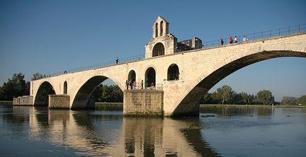 мост Авиньона (Pont d'Avignon - фр) или Мост св. Бенезе (Pont Saint-Benezet), достопримечательности Авиньона, что посмотреть в Авиньоне, путеводитель по Авиньону, Авиньон, Франция